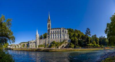 Lourdes, il Papa invia un delegato per la cura dei pellegrini